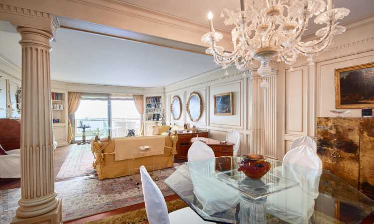 Gallery Prestigious apartment with a 2