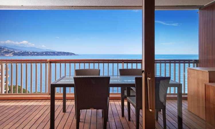 One Bedroom Apartment with a Sea View in…