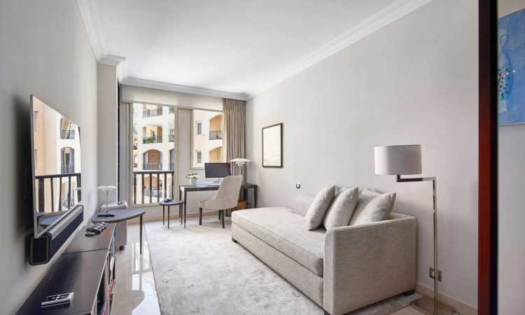 appartement de luxe moderne 3 pieces fontvieille. Black Bedroom Furniture Sets. Home Design Ideas